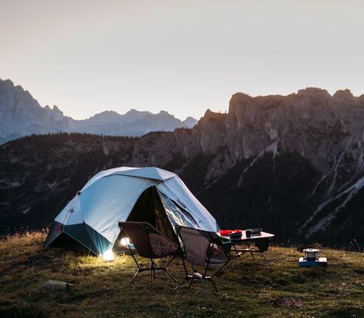 Horská turistika a spaní v přírodě je velice populární