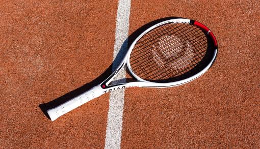 Celkový pohled na tenisovou raketu