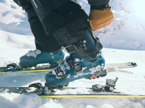 Modré lyžařské boty