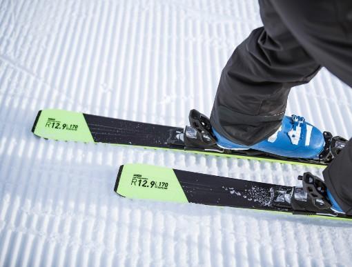 Zadní část lyží