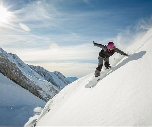 Snowboardista freeride
