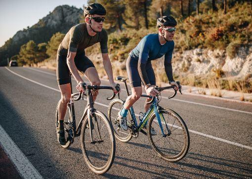 Silniční cyklisté