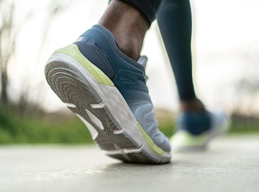 detail boty na chůzi