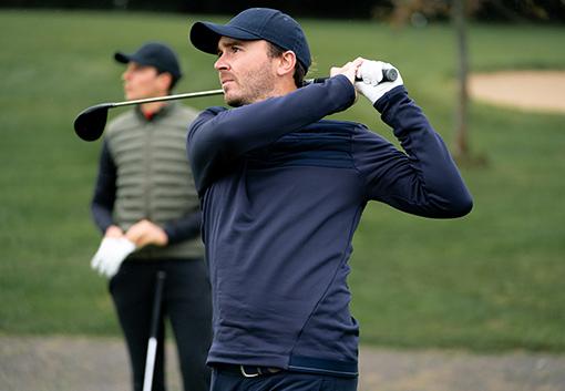 golfové svetry a mikiny