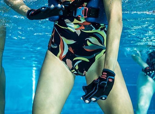 rukavice na aquafitness
