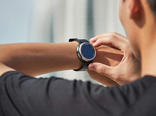 sportovní hodinky na cvičení