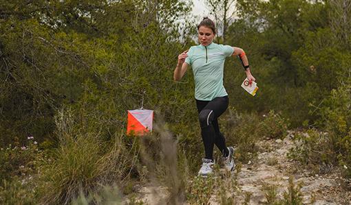 orientační běh v lese